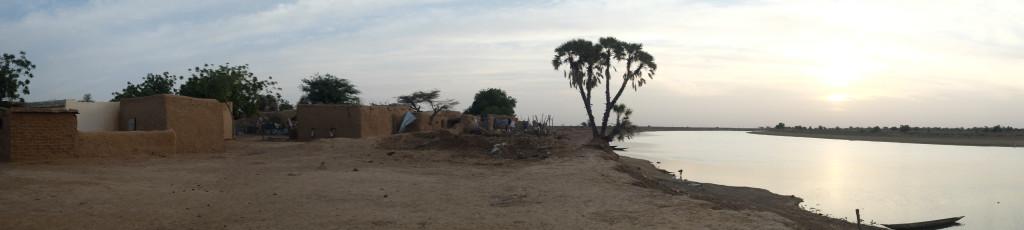 Au sud de ce dernier, le Sénégal, le sahel. Au nord, la Mauritanie, le Sahara