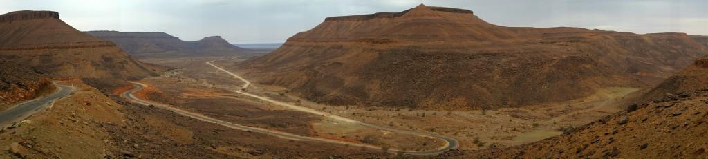 c'est par le passe Nouatil, petit col raide aux panoramas spectaculaire, que nous redescendons sur Terre, le lendemain.